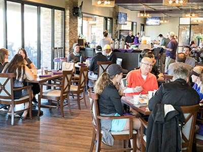 Families eat at the GCU Alumni brunch