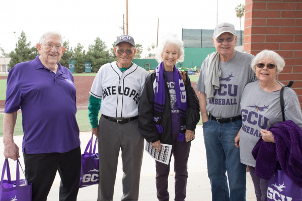 Alumni GCU fans before the game